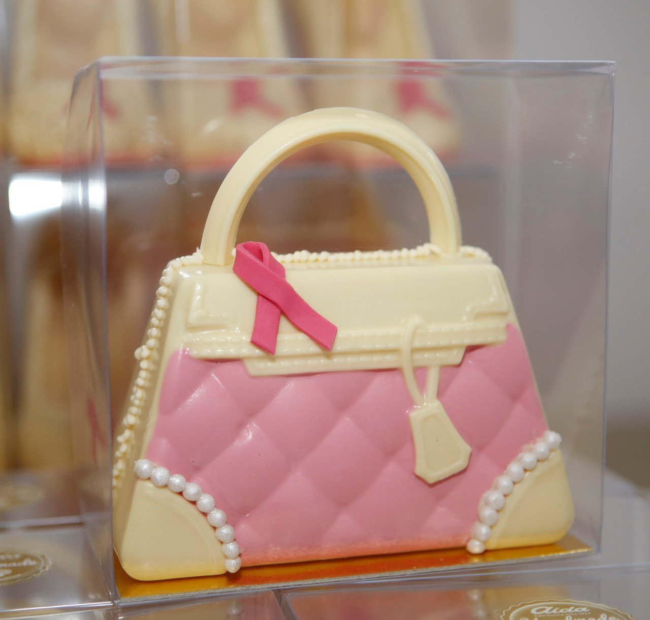 aida-pink-ribbon-schoko-tasche-weiss-rosa-_m5s7655